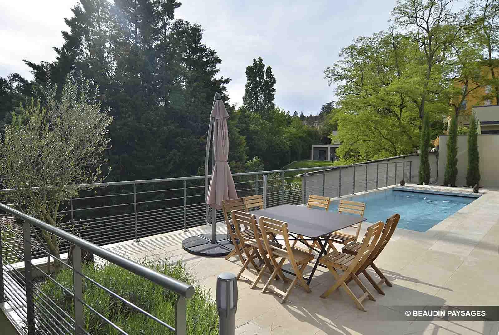 Paysagiste lyon ouest am nagement espaces verts beaudin for Espace vert lyon