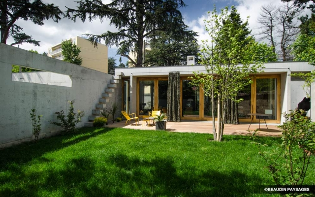 terrasse bois arrosage automatique gazon beaudin paysages. Black Bedroom Furniture Sets. Home Design Ideas