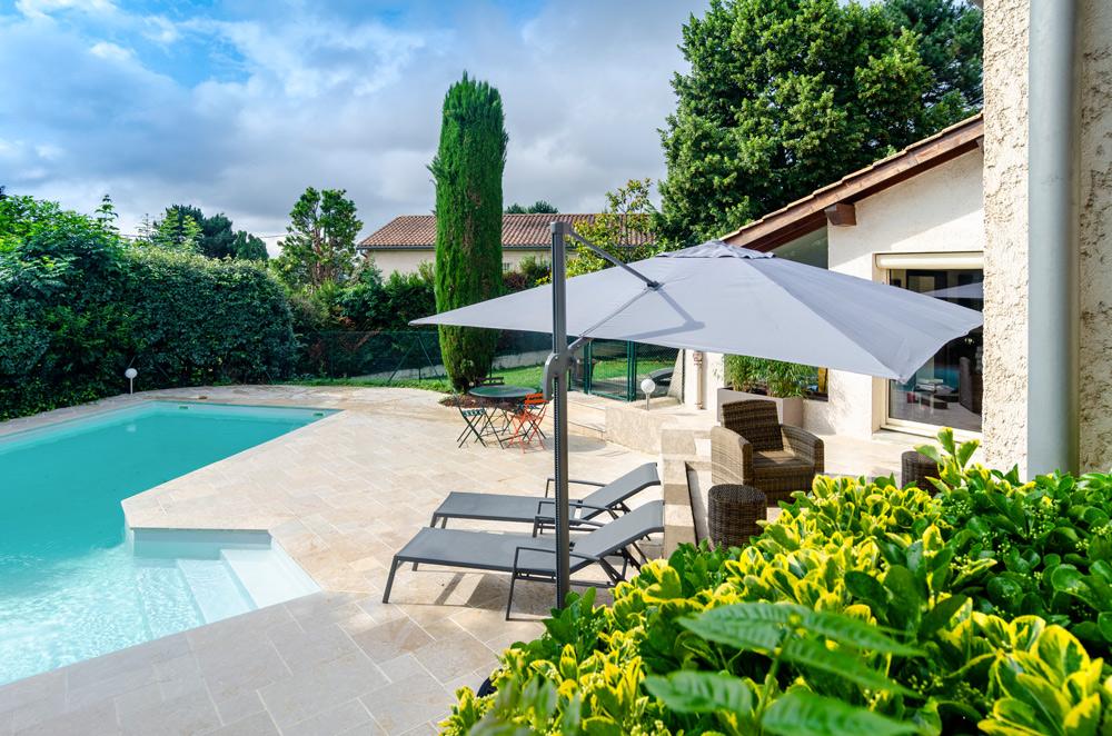 Paysagiste lyon ouest am nagement espaces verts beaudin for Paysagiste piscine